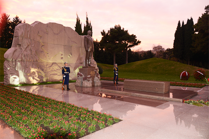 12 December the commemoration day of the national leader Heydar Aliyev.
