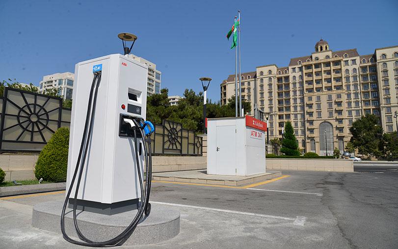 Компания «Азпетрол», владеющая широкой сетью автозаправочных станций в нашей Республике, также лидирует в области зарядки электромобилей.